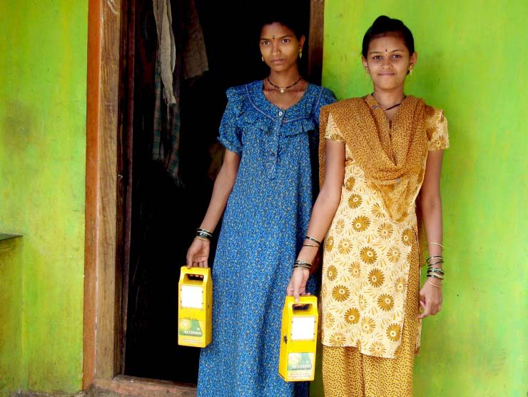 green energy against poverty: Energie-Kioske in Indien