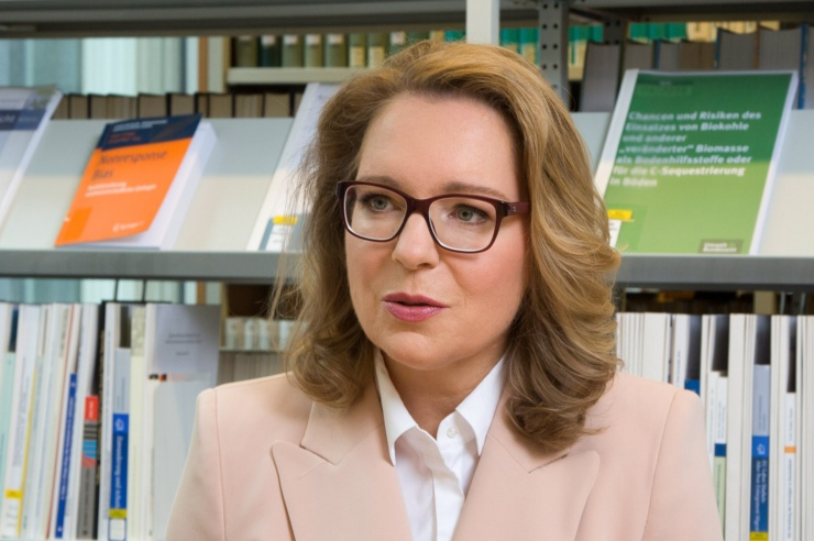 Energieökonomin Claudia Kemfert im Gespräch mit Benjamin von Brackel