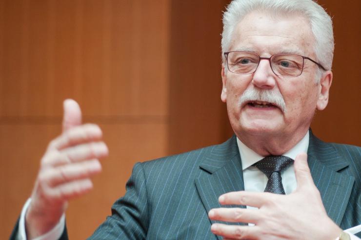 Porträt von Werner Böhnke