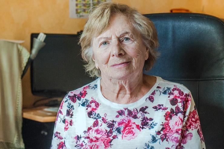 Porträt von Paulina Zerluk in ihrer Koblenzer Wohnung