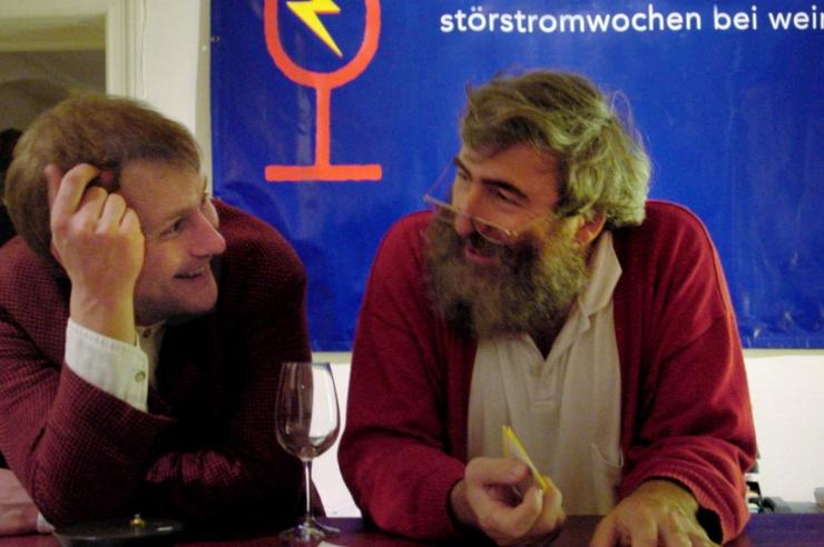 Bühnenplakat mit Werbemotiv für Schönauer Strom
